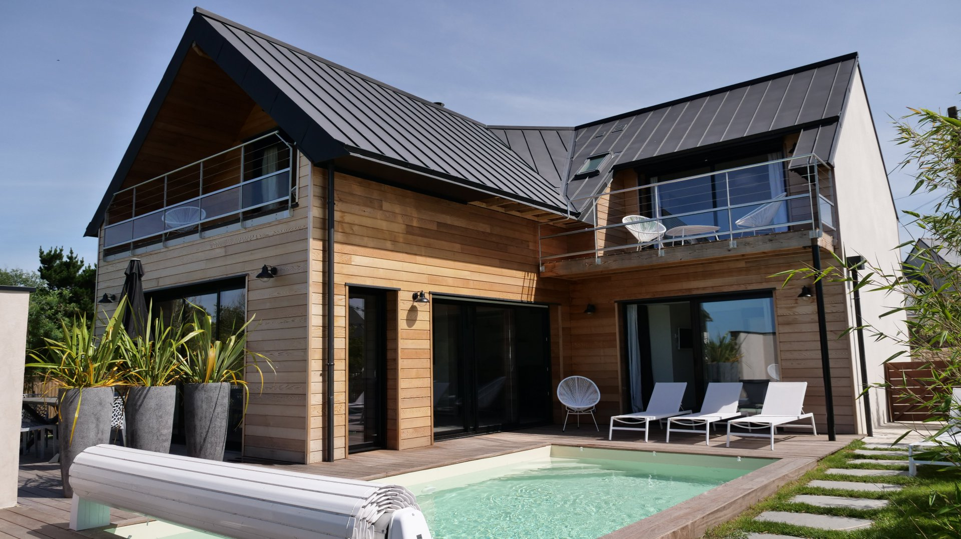 la villa et sa piscine chauffée